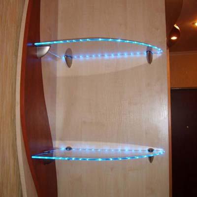 Подсветка стеклянных полок в шкафу своими руками